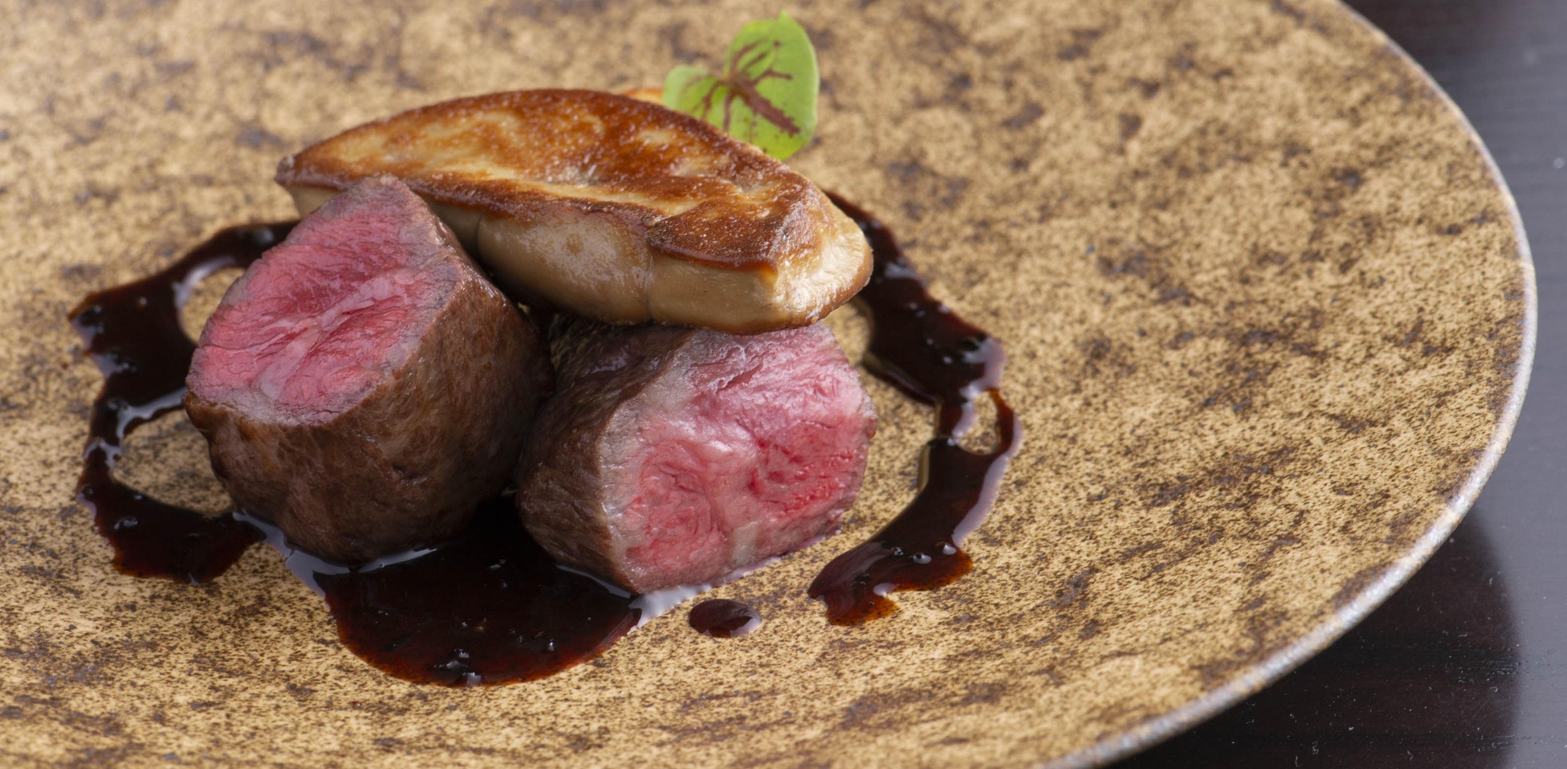 海苔で巻いた薩摩黒牛ランプ肉 十六殻米のリゾット加工